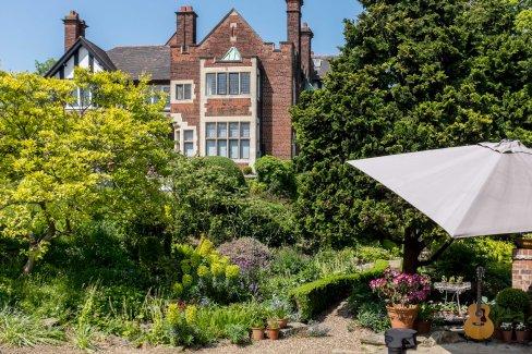 Beacon Garth Open Gardens